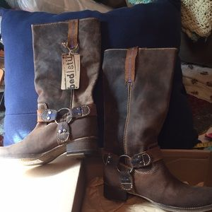 bed/Stu leather boots